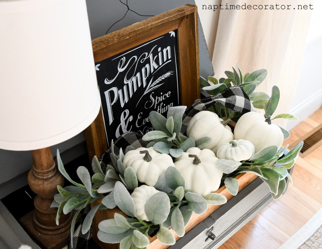 painting white pumpkins